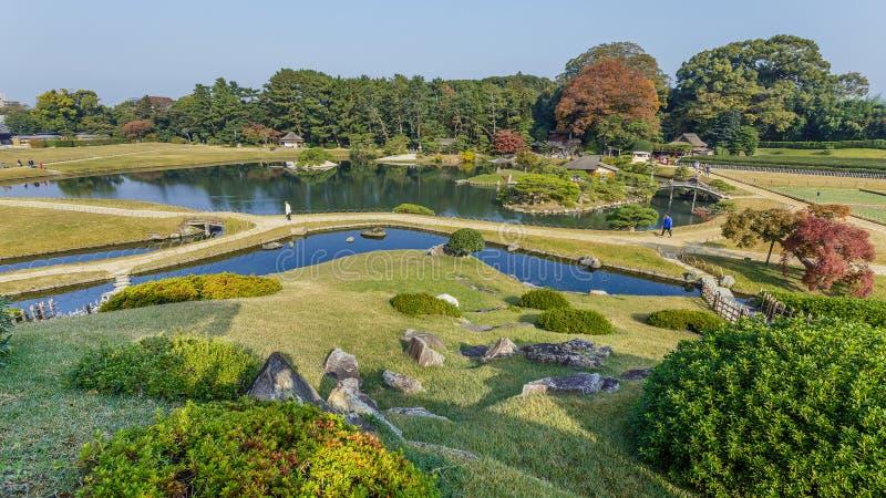 Vista dalla collina di Yuishinzan al giardino Korakue-en a Okayama fotografie stock libere da diritti