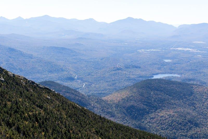 Vista dalla montagna di Whiteface nel Adirondacks Upstate di NY fotografia stock libera da diritti