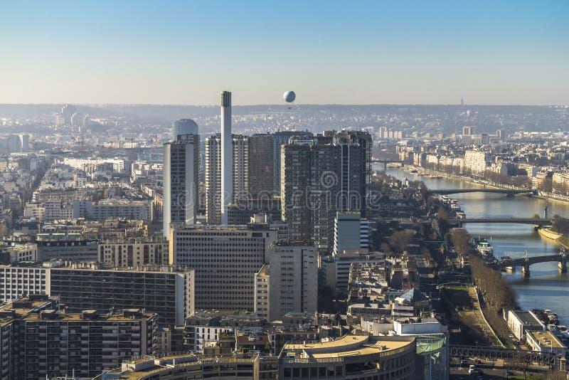 Vista dalla torre Eiffel sul fiume e sulla città di Parigi fotografie stock