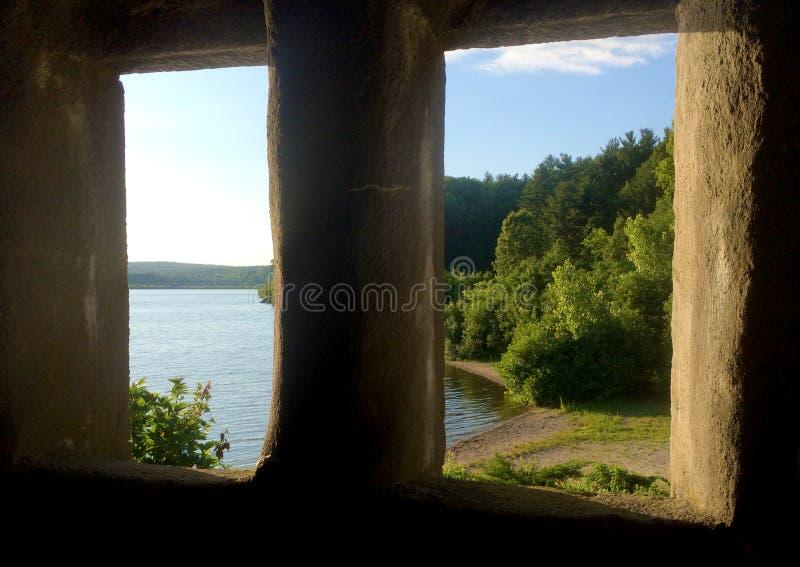 Vista dalla vecchia prigione di pietra fotografia stock libera da diritti