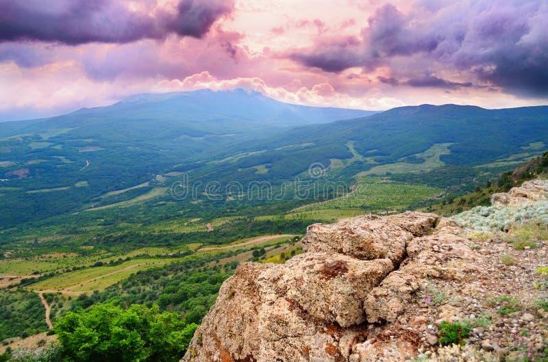 Vista dalle montagne immagini stock libere da diritti