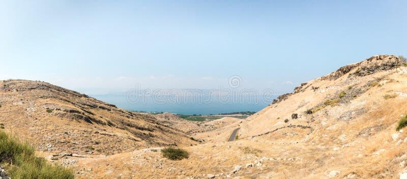 Vista dalle rovine del Greco - città romana dello III secolo BC - l'ANNUNCIO del VIII secolo Hippus - Susita a Golan Heights, Isr fotografie stock