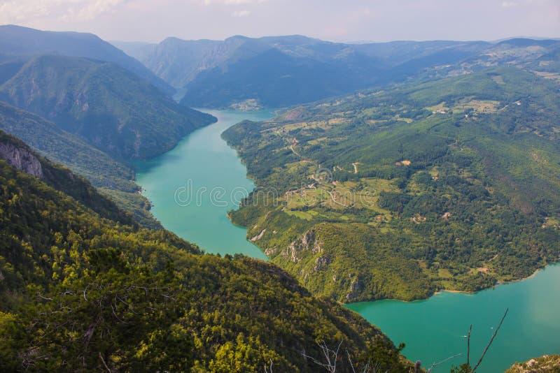 Vista dallo stena di Banjska sulla montagna di Cesalpina fotografia stock