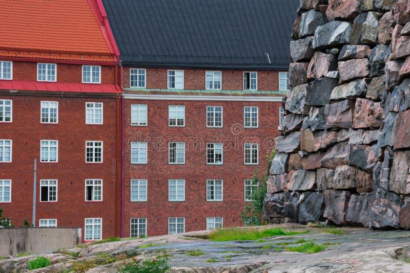 Vista das construções de Helsínquia tomadas do telhado da igreja de Temppeliaukio imagem de stock