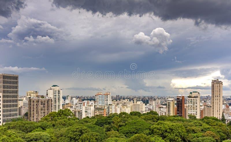 Vista das construções e skyline da cidade de Sao Paulo fotografia de stock royalty free