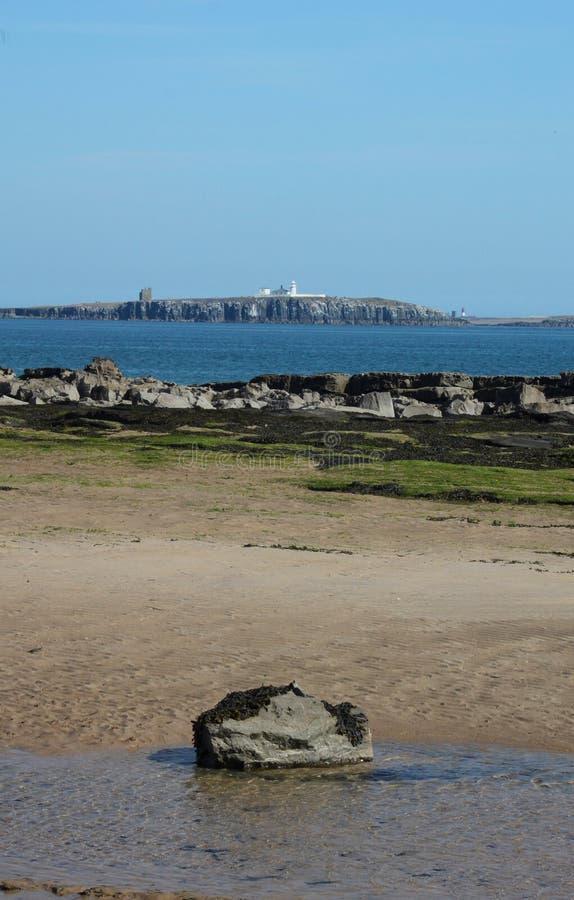Vista das ilhas de Farne, Northumberland imagens de stock