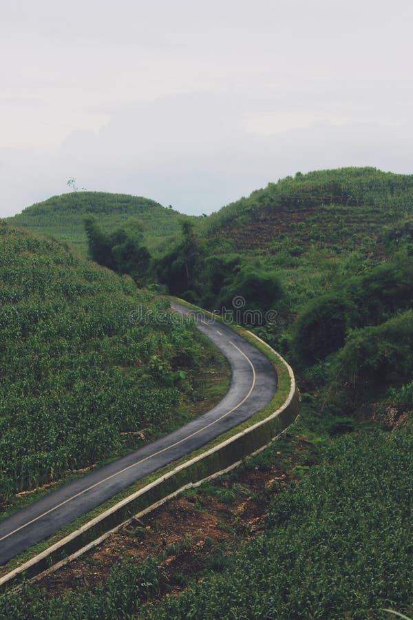Vista das montanhas em Gunungkidul Indonésia imagens de stock royalty free