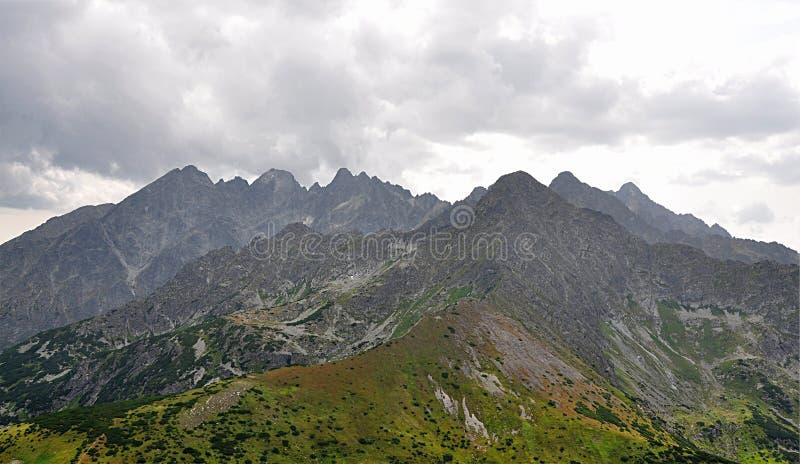 Vista das montanhas, Tatras alto, Eslováquia, Europa imagens de stock
