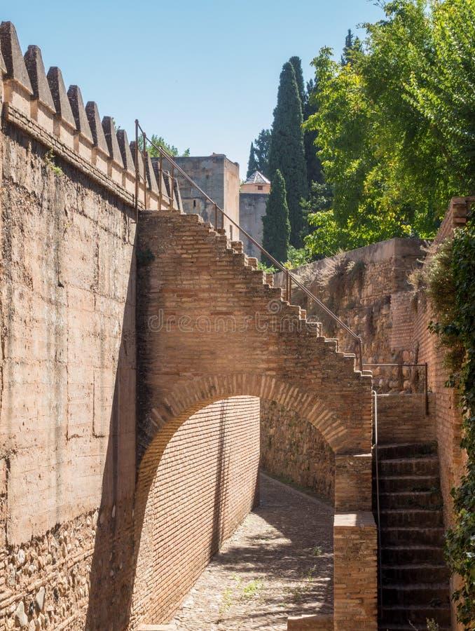 Vista das paredes em Alhambra em Granada na Espanha fotografia de stock