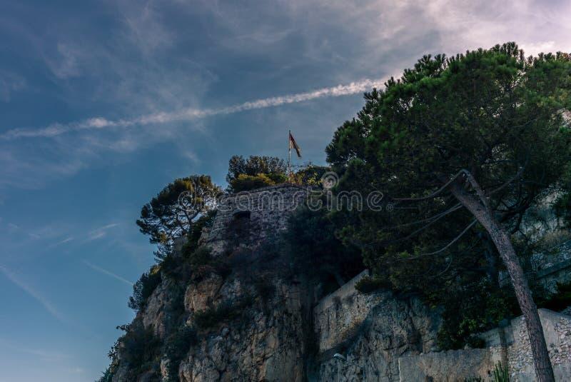 Vista das paredes em torno dos penhascos de Mônaco - 2 fotografia de stock