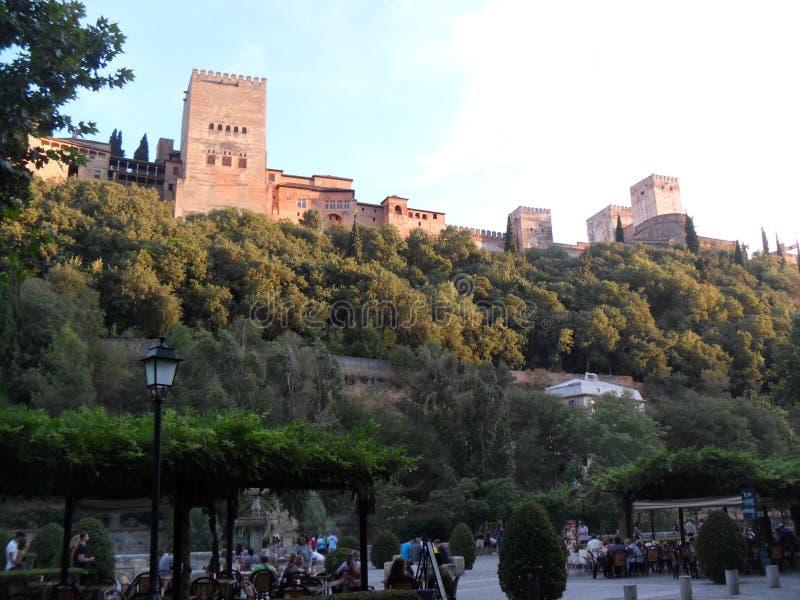 Vista de Alhambra do del Darro de Carrera em Granada foto de stock royalty free