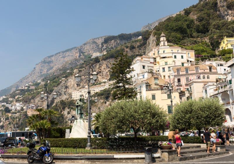 Vista de Amalfi Amalfi é uma estância turística encantador na costa cênico de Amalfi de Itália imagem de stock royalty free