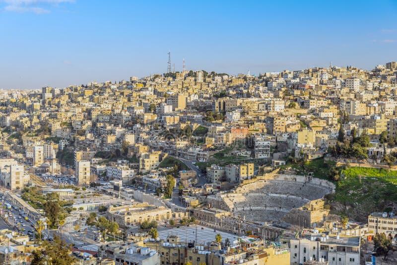 Vista de Amman, a capital de Jordânia, tomada do monte da citadela de Amman fotografia de stock