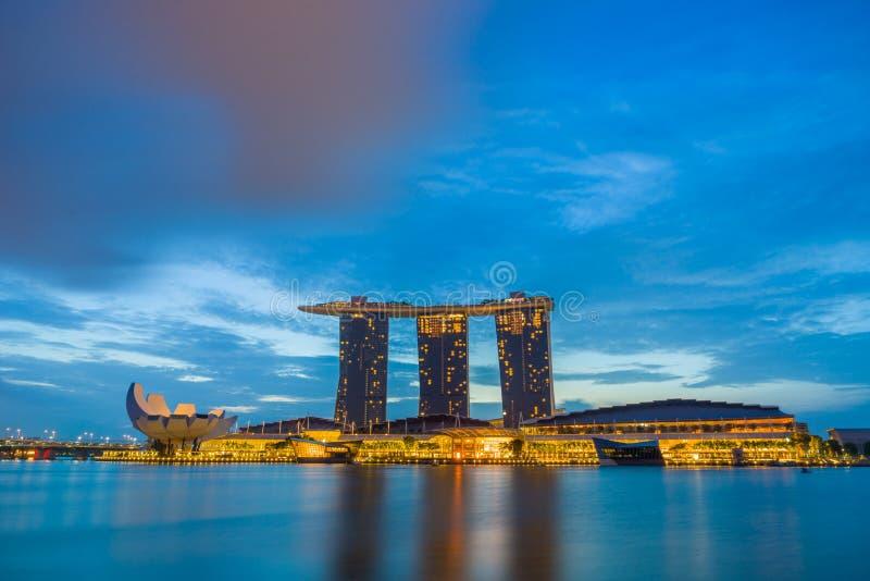 Vista de areias de Marina Bay no nascer do sol em Singapura fotos de stock royalty free