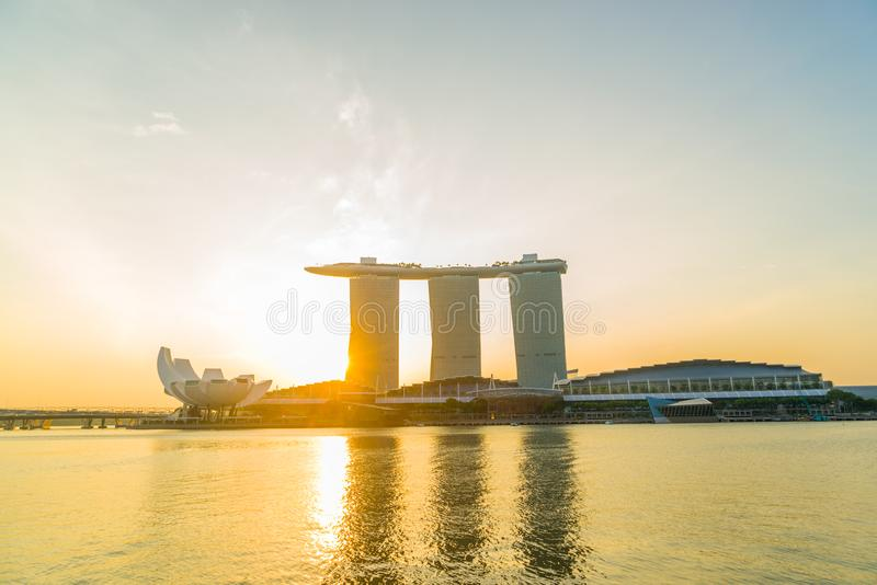 Vista de areias de Marina Bay no nascer do sol em Singapura fotografia de stock