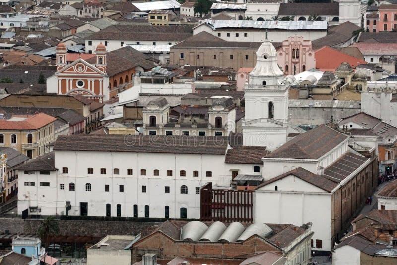 Vista de arriba de la ciudad vieja, Quito, Ecuador foto de archivo