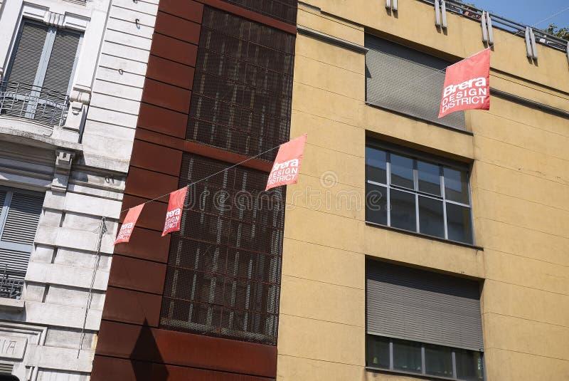 Vista de bandeiras do distrito de Brera Milão foto de stock royalty free