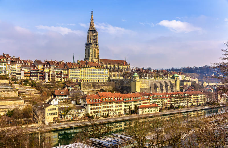 Vista de Berna com seu Munster imagem de stock