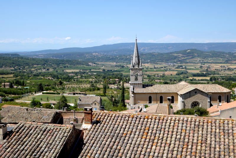 Vista de Bonnieux, França imagem de stock