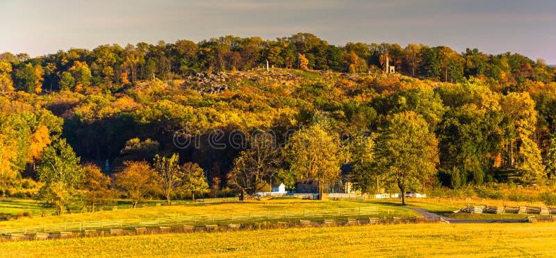 Vista de campos y del pequeño top redondo de la observación de Longstreet imágenes de archivo libres de regalías