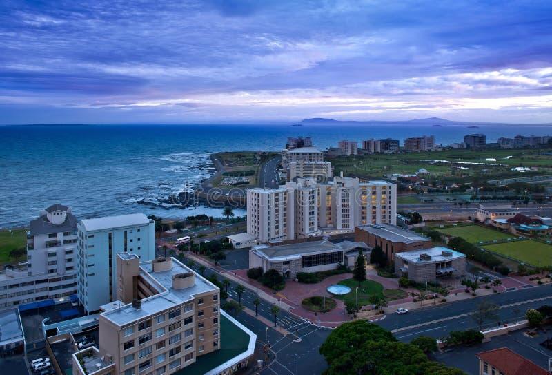 Vista de Cape Town (África do Sul) no amanhecer foto de stock royalty free