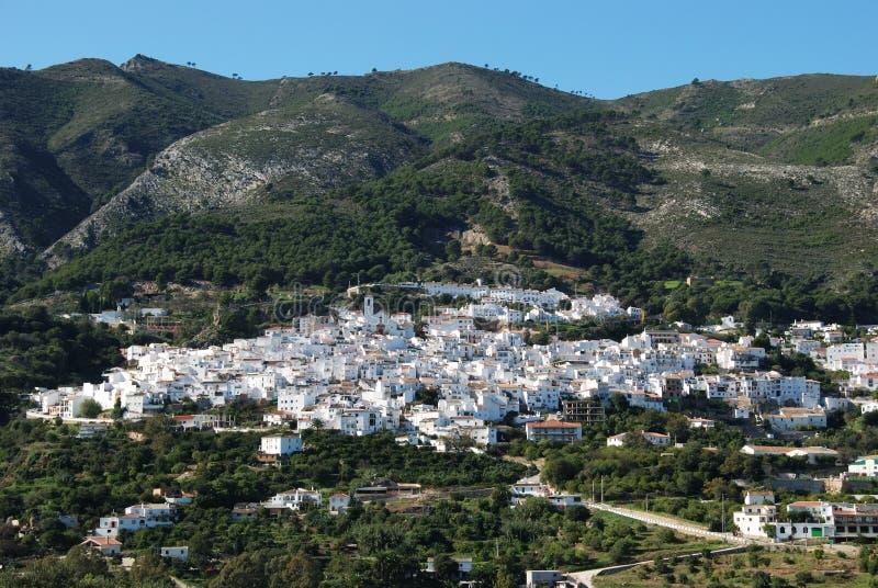 Vista de Casarabonela, Espanha foto de stock royalty free