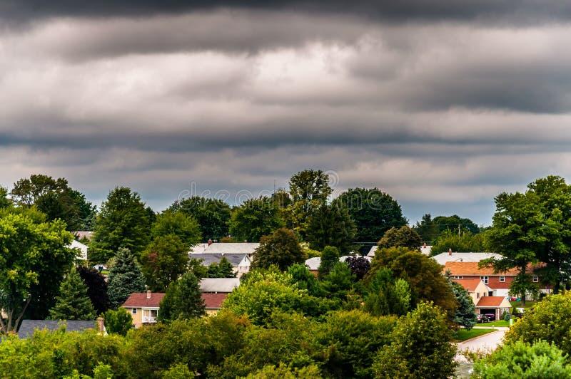 Vista de casas en un área residencial en Shrewsbury, Pennsylvania fotografía de archivo