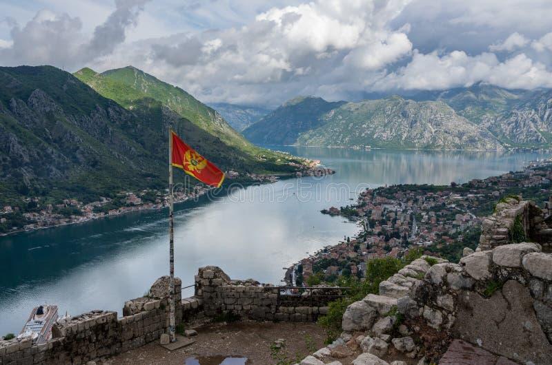 Vista de cima da cidade velha de Kotor em Montenegro foto de stock royalty free