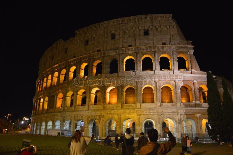 Vista de Colosseum, Roma Italia en la noche foto de archivo libre de regalías