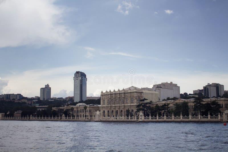 Vista de construções velhas, históricas por Bosphorus imagens de stock royalty free