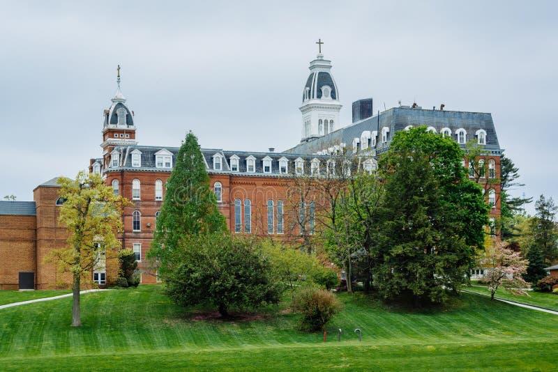 Vista de edificios en Notre Dame de la universidad de Maryland, en Balti imagen de archivo