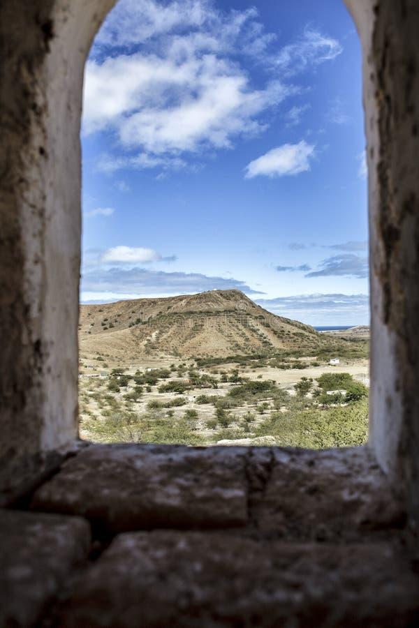 Vista de edificios y de pueblos viejos en Cabo Verde imagen de archivo libre de regalías