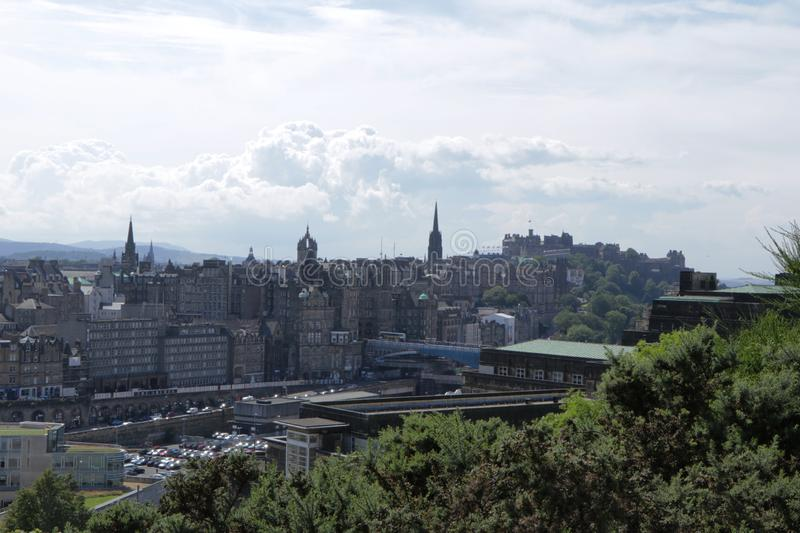 Vista de Edimburgo do monte de Calton fotografia de stock royalty free