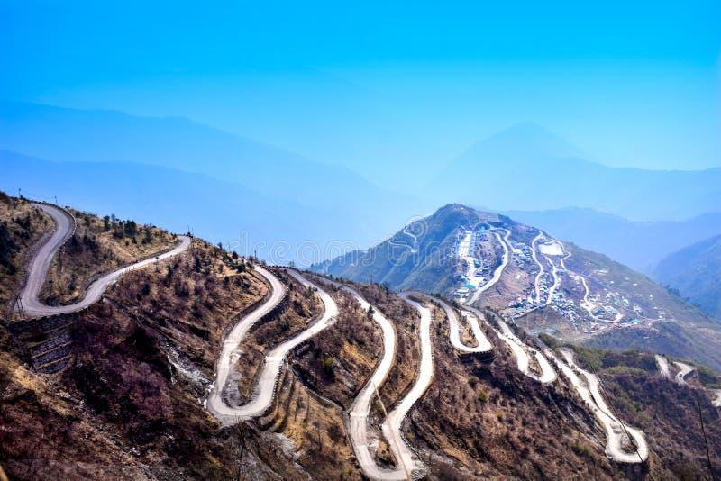 Vista de fascinação de Silkroutes, Zulukh, Sikkim do leste, Índia foto de stock royalty free