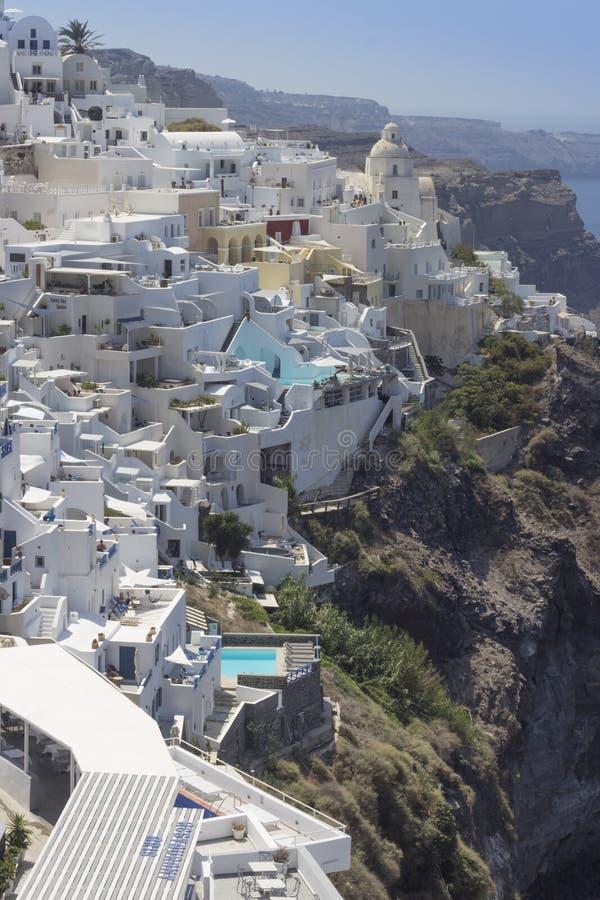 Vista de Fira y de Merovigli en Santorini imagenes de archivo