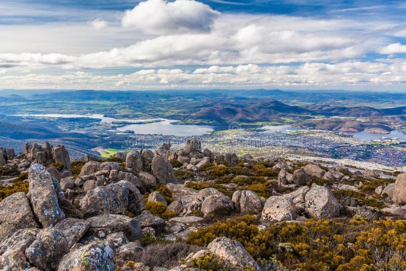 Vista de Hobart da montagem Wellington, Tasmânia fotos de stock
