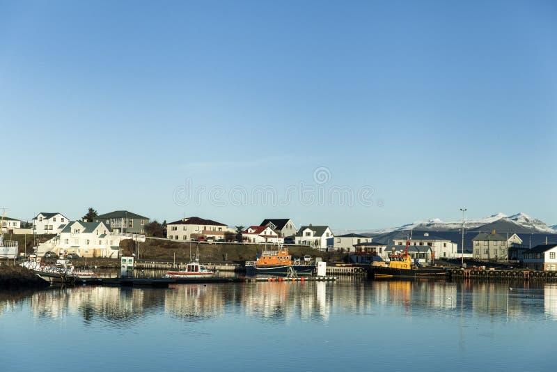 Vista de Hofn, Islândia foto de stock