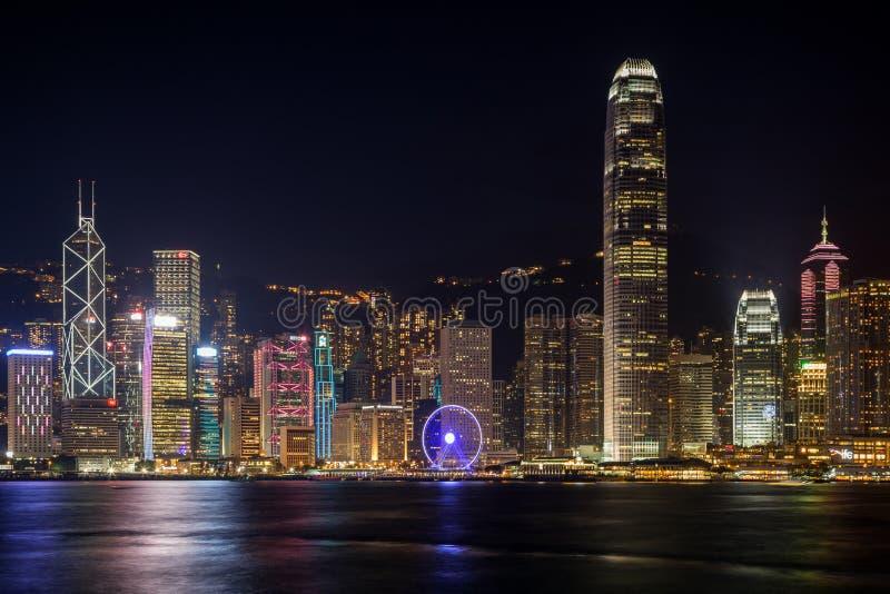 Vista de Hong Kong Island y de x27; horizonte de s en la noche fotografía de archivo libre de regalías