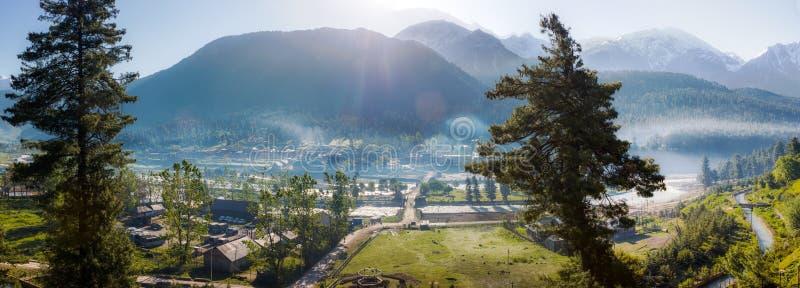 Download Vista De Kashmir Valley, Panorama Del Paisaje Foto de archivo - Imagen de local, india: 42443244