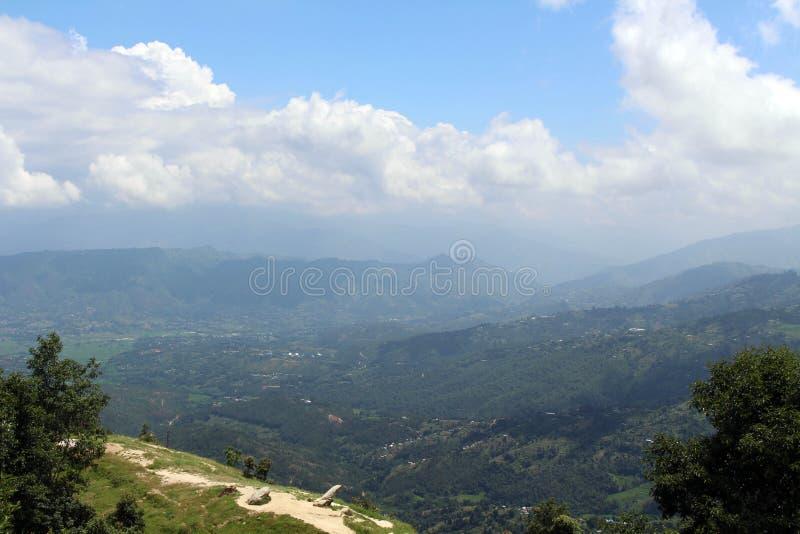 A vista de Kathmandu Valley como visto de Dhulikhel após um shor foto de stock