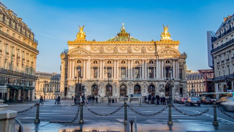 Vista de la ópera Garnier en París, Francia imágenes de archivo libres de regalías