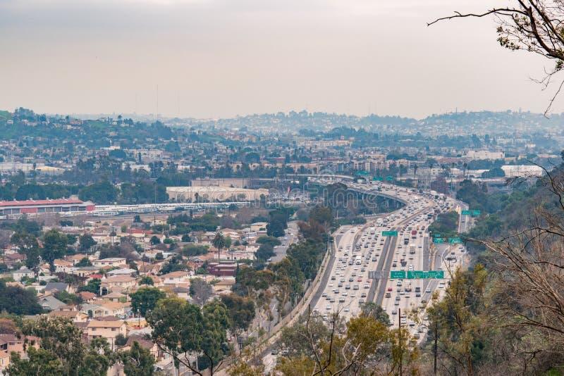 Vista de la autopista sin peaje imágenes de archivo libres de regalías