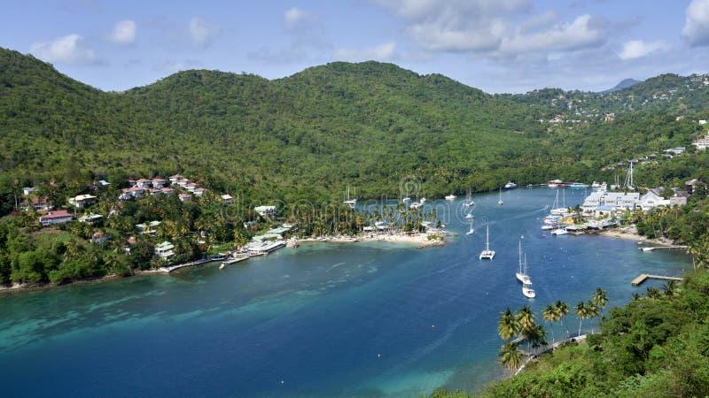 Vista de la bahía de Marigot, Santa Lucía imagen de archivo libre de regalías