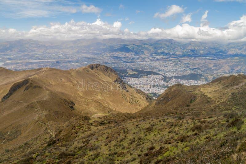 Vista de la capital de Quito de Ecuador fotos de archivo