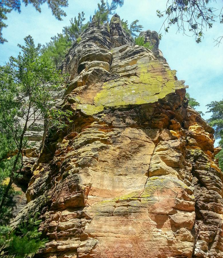 Vista de la cara de la roca foto de archivo libre de regalías