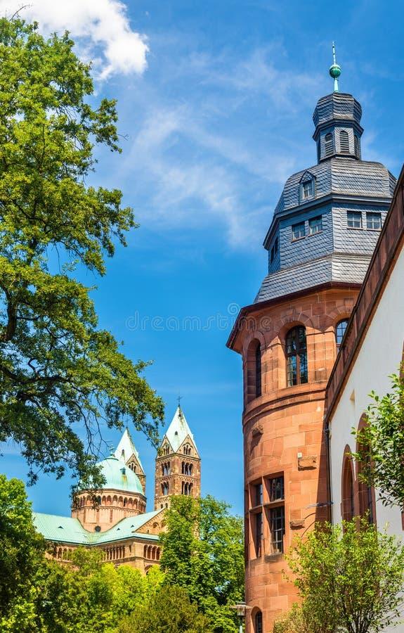 Vista de la catedral de Speyer y del museo histórico del PA foto de archivo
