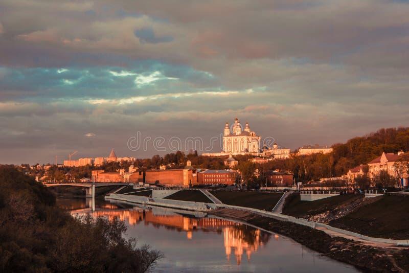 Vista de la catedral en Smolensk, Rusia imágenes de archivo libres de regalías