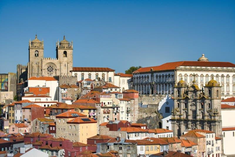 Vista De La Catedral Y Techos En Porto Portugal fotografía de archivo