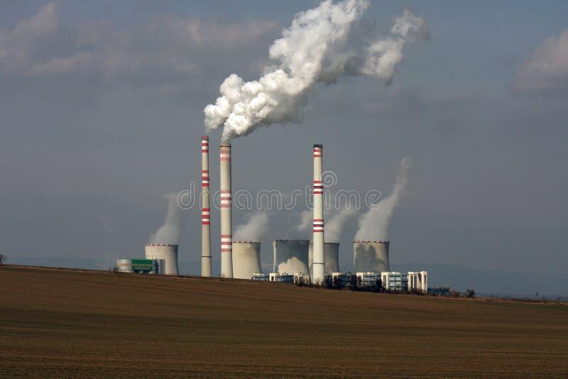 Vista de la central eléctrica de carbón fotografía de archivo