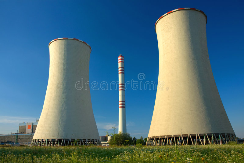 Vista de la central eléctrica del carbón imagen de archivo